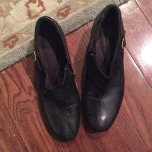 Clark size 9 1/2 bootie heels black
